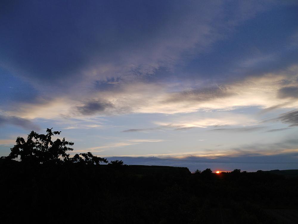 Sonnenuntergang am Kaiserstuhl